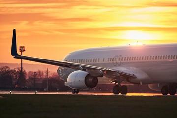 Airplane before take off on runway Fotobehang