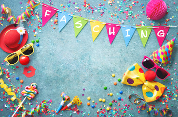 Photo sur Aluminium Montagne Colorful carnival or party background streamers and confetti and funny faces
