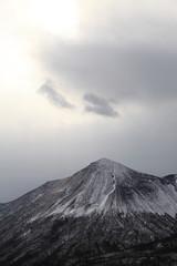 Fond de hotte en verre imprimé Volcan 雪が積もる霧島連山