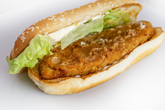 fried chicken burger, flat detail, landscape format, on white background