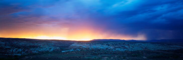 Obraz This is sunrise in Southwest Utah. - fototapety do salonu