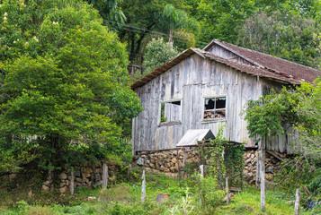 Casa de madeira antiga abandonada Wall mural