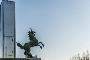 麒麟の銅像