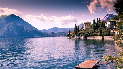 Türaufkleber Flieder Beautiful village at Como's Lake