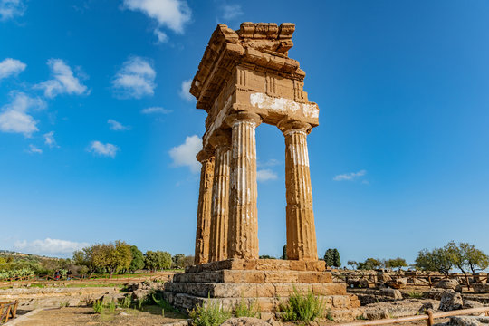 Temple of Dioscuri (Castor and Pollux). Famous ancient ruins in Valley of Temples, Agrigento, Sicily, Italy.