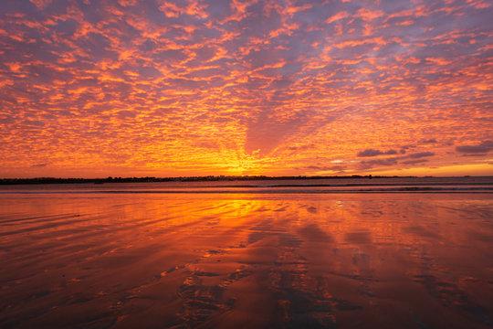 Le coucher de soleil extraordinaire
