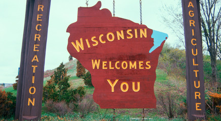 Wall Mural - Welcome to Wisconsin Sign