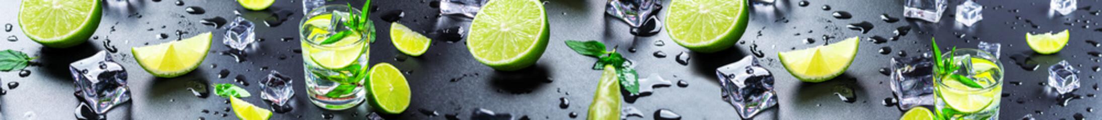 Limonki z lodem na ciemny tle