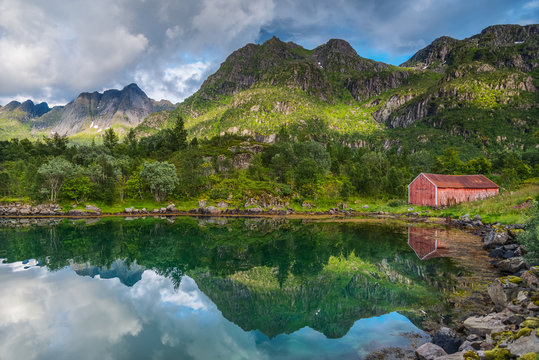 Rorbu or rorbuer, the typical norwegian fishing house, Leknes, Norway