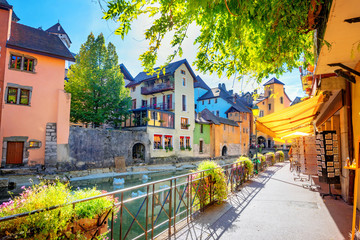 Colorful street along to Canal du Thiou in Annecy. French Alps, France