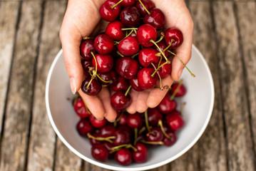 Foto auf AluDibond Kirschblüte Fresh cherries