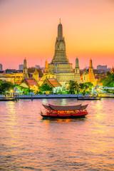 Aluminium Prints Bangkok Bangkok, Wat Arun, The temple of dawn. Wat Arun is one of the major attraction of Bangkok, Thailand