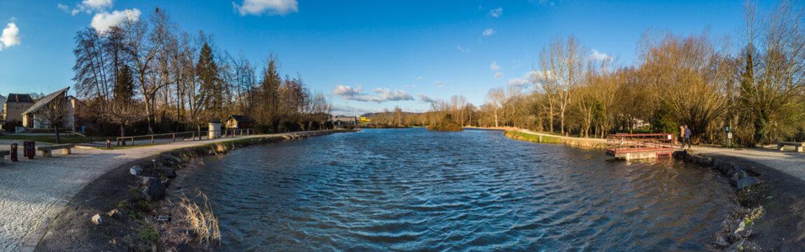 Objat (Corrèze, France) - Plan d'eau de la base de loisirs