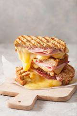 Keuken foto achterwand Snack grilled ham and cheese sandwich