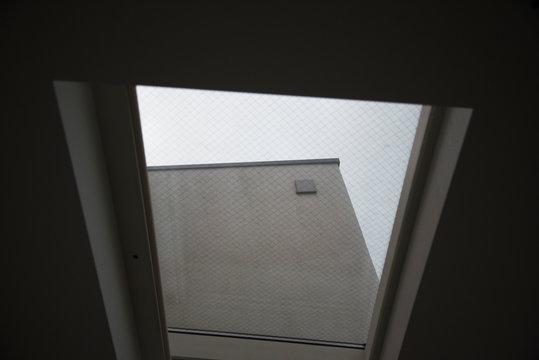 天窓から見える空