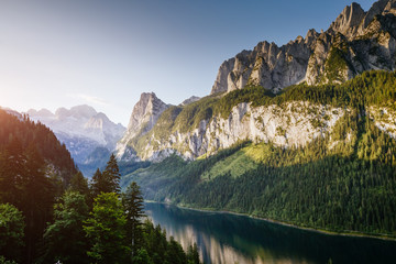 Fototapete - Location Alpine lake Vorderer Gosausee in Upper Austria.