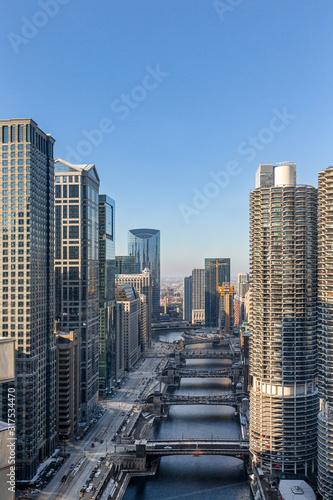 Canvas Prints Downtown Chicago – Skyscrapers Along Chicago River and Wacker Drive