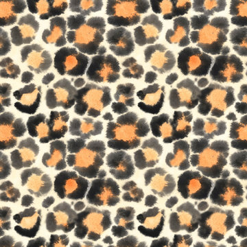Watercolor seamless pattern with leopard skin