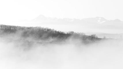 Papiers peints Blanc Brume sur les Pyrénées