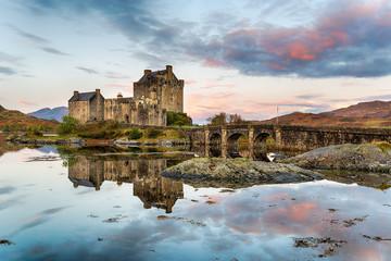 Wall Mural - Sunrise over Eilean Donan Castle in Scotland