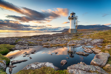 Wall Mural - Sunset over Rhue Lighthouse
