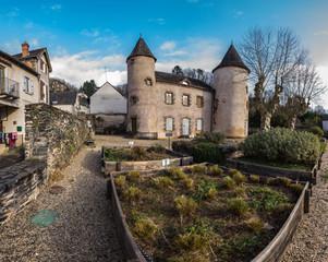Allassac (Corrèze, France) - Manoir des tours