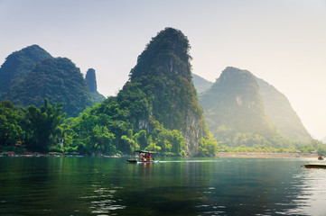 Keuken foto achterwand Guilin Scenic boat ride on Li river in Guilin China