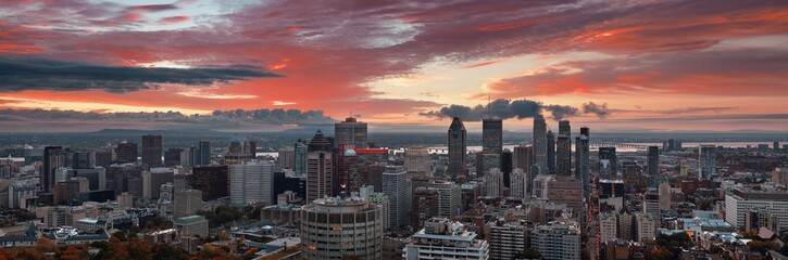 Fototapete - Montreal sunrise city skyline panorama