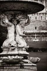 Fototapete - Madrid Royal Palace fountain