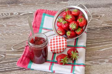 Erdbeermarmelade einmachen