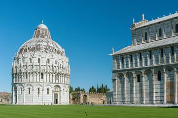 Fototapete - Battistero di San Giovanni in Piazza del Duomo in Pisa, Italy