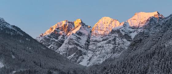 Sonnenauf- bzw. Untergänge in Tirol