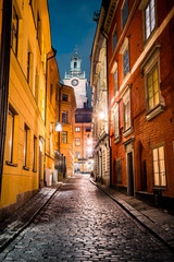 Foto auf AluDibond Stockholm Stockholm's Gamla Stan old town district at night, Sweden