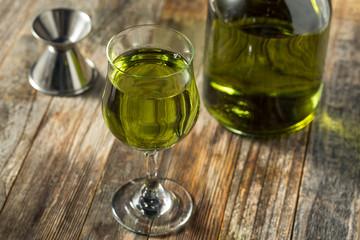 Photo sur Plexiglas Bar Organic Green Chartreuese Liqueur