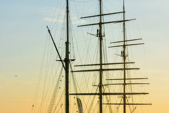 mast and rigging of ship