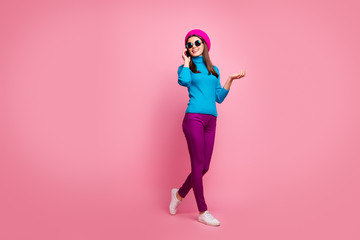 Fototapete - Full length body size view of her she nice attractive fashionable pretty slim fit thin cheerful cheery girl talking on phone strolling enjoying isolated over pink pastel color background