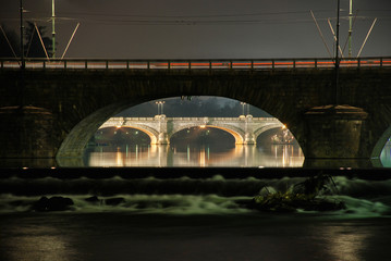 Wall Mural - Turin ponte Umberto I night photography with reflectionon on the Po river