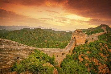 Spoed Fotobehang Peking Great Wall Of China Against Cloudy Sky
