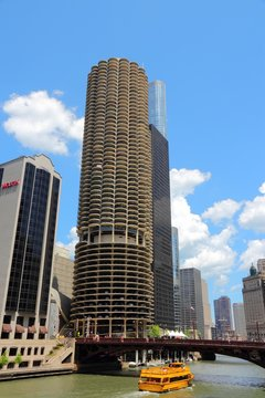 CHICAGO, USA - JUNE 28, 2013: Marina City towers in Chicago. Famous corncob shaped buildings are 179m tall and are among 100 tallest in Chicago.