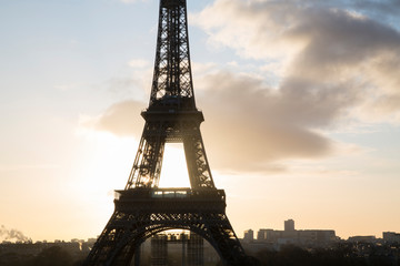 Fotobehang Eiffeltoren Backlit Eiffel Tower in Silhouette, Paris