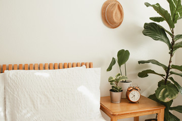 Poster Plant Cozy modern bedroom with house plants
