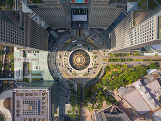 Wall Mural - Top view of the Singapore landmark financial business district with skyscraper. Fountain of Wealth at Suntec city in Singapore