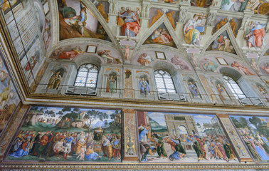 The Sistine Chapel. Former house church in the Vatican. Frescoes. The calling of Moses. Circumcision of the son of Moses. Crossing the sea. Giving the commandments. Resentment against the laws. Fotomurales