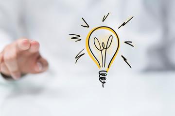 Photo sur Plexiglas Ecole de Danse idea lamp concept in hand.