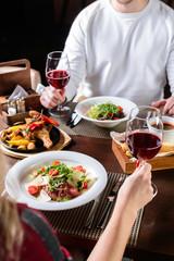 Foto auf AluDibond Restaurant couple in a restaurant romantic dinner
