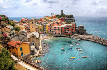 Spoed Foto op Canvas Liguria View of the Beautiful Village of Vernazza in Cinque Terre, Liguria, Italy