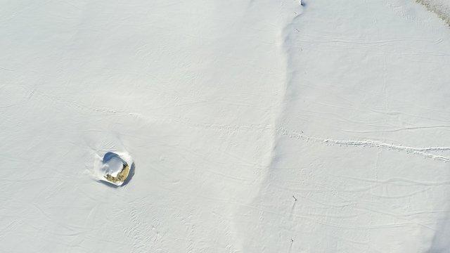 Felsen im Schnee