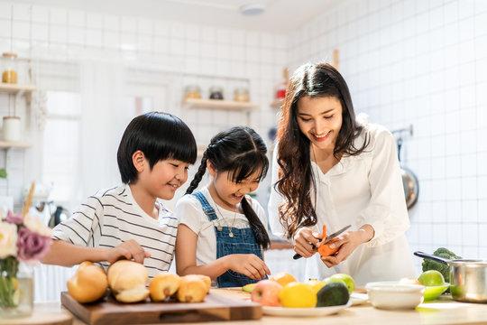 12,371 BEST Kids Cooking Asian IMAGES, STOCK PHOTOS & VECTORS | Adobe Stock