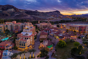 Photo sur Aluminium Las Vegas Sunset aerial view of the beautiful Lake Las Vegas area