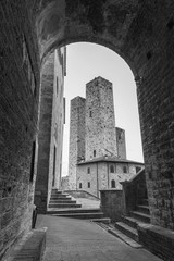 Fototapete - Historical architecture in medieval town San Gimignano, Tuscany, Italy